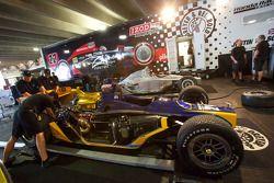 Dreyer & Reinbold Racing dans le paddock