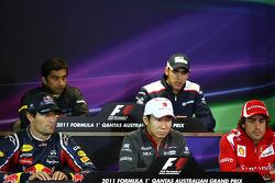 Mark Webber, Red Bull Racing with Kamui Kobayashi, Sauber F1 Team and Fernando Alonso, Scuderia Ferrari