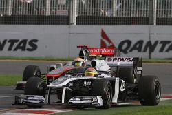 Pastor Maldonado, Williams F1 Team and Lewis Hamilton, McLaren Mercedes