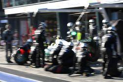 Nico Rosberg, Mercedes GP Petronas F1 Team pit stop