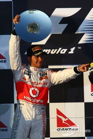 Podio: segundo lugar Lewis Hamilton, McLaren Mercedes