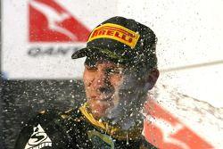Подиум: Виталий Петров, Lotus Renault GP