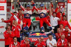 Podium: winnaars Sébastien Ogier en Julien Ingrassia, Citroen DS3 WRC, Citroen Total World Rally Tea