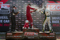 Podium: race winner Dario Franchitti, Target Chip Ganassi Racing, second place Will Power, Team Pens
