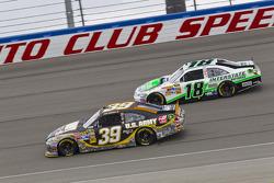 Ryan Newman, Stewart-Haas Racing Chevrolet en Kyle Busch, Joe Gibbs Racing Toyota