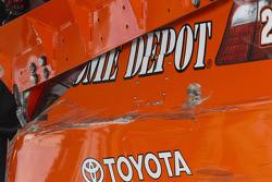 La voiture détruite de Joey Logano, Joe Gibbs Racing Toyota