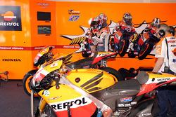 Repsol Honda Team zone des stands
