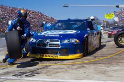 Arrêt aux stands pour Brad Keselowski, Penske Racing Dodge