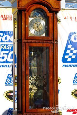 Victory lane: trofee Martinsville