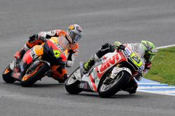 Тони Элиас, LCR Honda MotoGP, и Андреа Довициозо, Repsol Honda Team