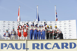LM P1 podium: winnaars Emmanuel Collard, Christophe Tinseau en Julien Jousse, 2de Andrea Belicchi en