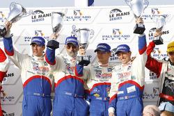 LM P1 podium: winnaars Emmanuel Collard, Christophe Tinseau en Julien Jousse
