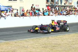 Neel Jani drives the RB6