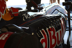 RB6 chassis and technicians