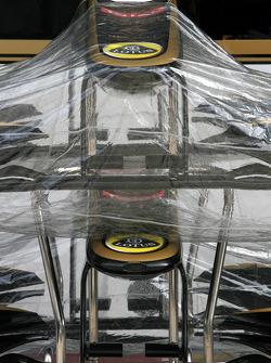 Lotus Renault GP front wings