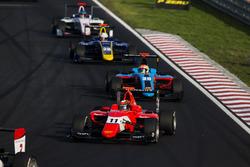 Jack Aitken, Arden International leads Arjun Maini, Jenzer Motorsport
