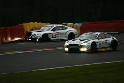 #99 Rowe Racing, BMW M6 GT3: Maxime Martin, Philipp Eng, Alexander Sims and #30 Team Parker Racing, Bentley Continental GT3: Chris Harris, Derek Pierce, Carl Rosenblad, David Perel crashed