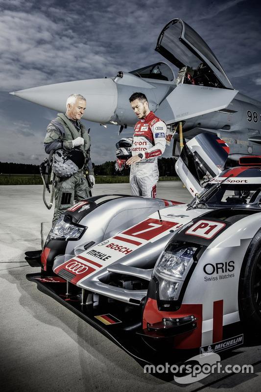 Testpiloot Geri Krähenbühl met Andre Lotterer, Audi Sport Team Joest