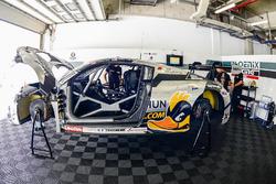 #98 GruppeM Racing Porsche 911 GT3R