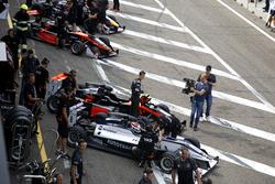 Pedro Piquet, Van Amersfoort Racing Dallara F316 - Mercedes; Callum Ilott, Van Amersfoort Racing Dallara F312 - Mercedes