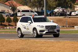 Motorsport.com Volvo XC90 safety car