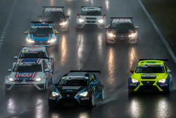 Simon Larsson, Target Competition, SEAT Leon TCR; Niklas Mackschin, Liqui Moly Team Engstler, VW Golf GTI TCR; Antti Buri, LMS Racing, SEAT Leon TCR