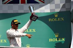 Podio: Lewis Hamilton, Mercedes AMG F1 W07