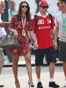 Kimi Raikkonen, Ferrari ve eşi Minttu Raikkonen,