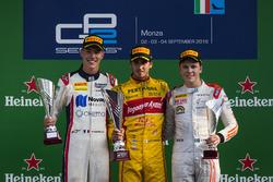 Подиум: Антонио Джовинации, PREMA Racing, Рафаэле Марчелло, RUSSIAN TIME и Густав Малья, Rapax