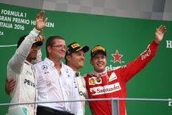 Podium: 1. Nico Rosberg, Mercedes AMG Petronas F1 W07; 2. Lewis Hamilton, Mercedes AMG F1 W07; 3. Sebastian Vettel, Scuderia Ferrari SF16-H