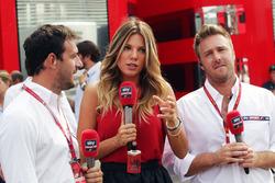 Federica Masolin, Sky F1 Italia Moderator (Mitte) und Davide Valsecchi, Sky F1 Italia PModerator (links)