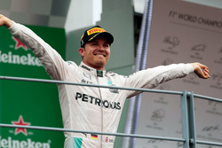 Race winner Nico Rosberg, Mercedes AMG F1 celebrates on the podium
