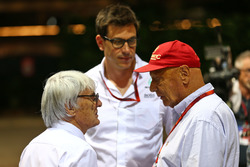 (L to R): Bernie Ecclestone, with Toto Wolff, Mercedes AMG F1 Shareholder and Executive Director and Niki Lauda Mercedes Non-Executive Chairman