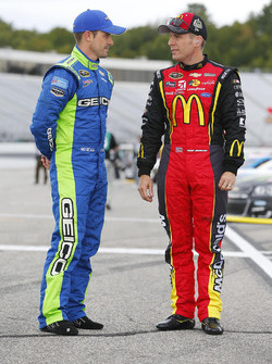 Casey Mears, Germain Racing, Chevrolet; Jamie McMurray, Chip Ganassi Racing, Chevrolet
