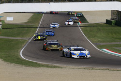 Partenza Gara 2 GTCup: #106 Lamborghini Huracan S.GTCup, Vincenzo Sospiri Racing: Nemoto-Costa al comando