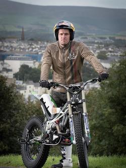 Dougie Lampkin with Wheelie around Isle of Man