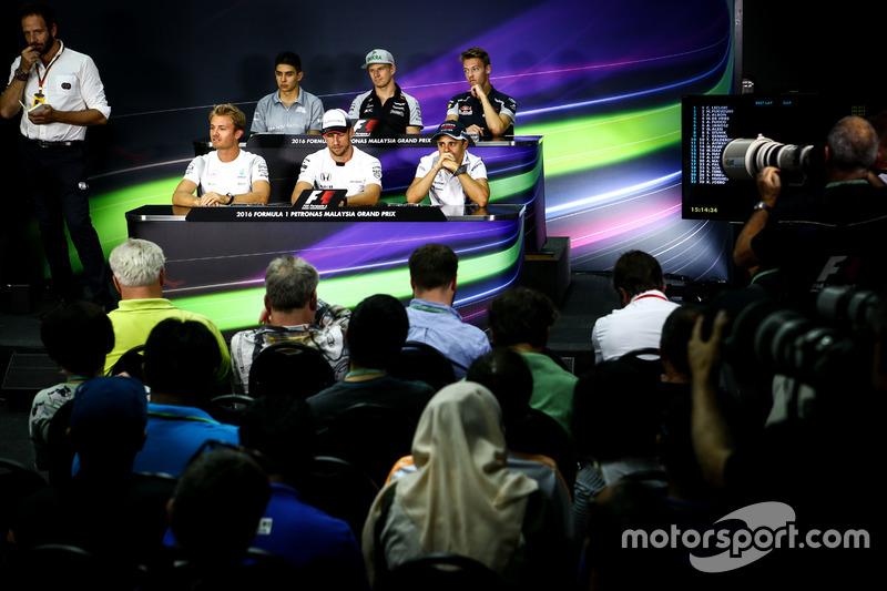 en la Conferencia de prensa FIA: Esteban Ocon, Manor Racing; Nico Hulkenberg, Sahara Force India F1; Daniil Kvyat, Scuderia Toro Rosso; Nico Rosberg, Mercedes AMG F1; Jenson Button, McLaren; Felipe Massa, Williams