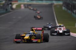 Антонио Джовинацци, PREMA Racing, и Сергей Сироткин, ART Grand Prix