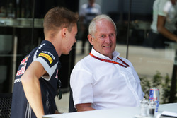 (L to R): Daniil Kvyat, Scuderia Toro Rosso with Dr Helmut Marko, Red Bull Motorsport Consultant