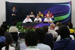 The FIA Press Conference (from back row (L to R)): Ayao Komatsu, Haas F1 Team Race Engineer; Bob Bell, Renault Sport F1 Team Chief Technical Officer; Luigi Fraboni (ITA) Ferrari Head of Engine Trackside Operations; Paddy Lowe, Mercedes AMG F1 Executive Dir