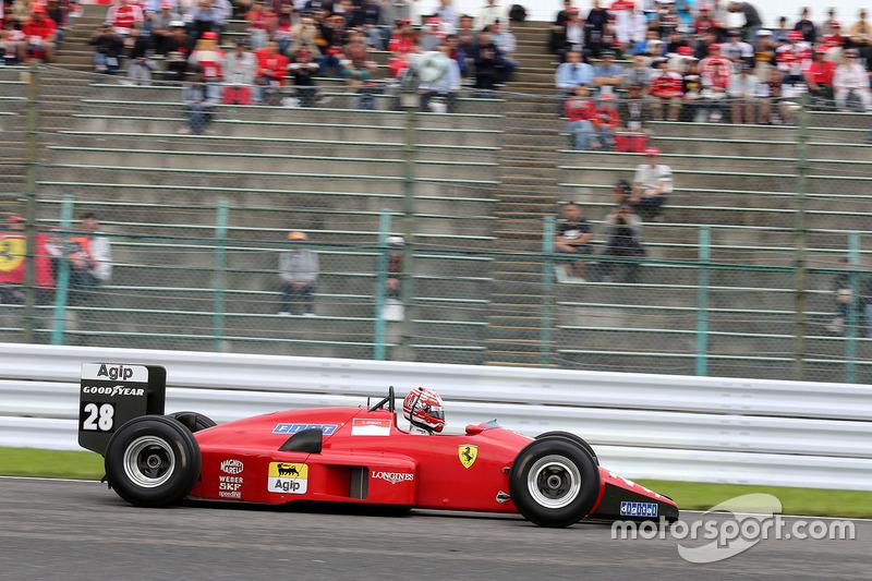 Showrun: Kazuki Nakajima im Ferrari F1/88C von Gerhard Berger