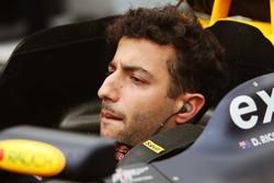 Daniel Ricciardo, Red Bull Racing RB12 sur la grille