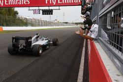Переможець Ніко Росберг, Mercedes AMG F1 W07 Hybrid