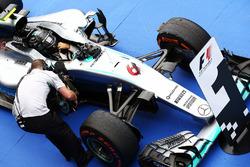 Race winner Nico Rosberg, Mercedes AMG F1 W07 Hybrid in parc ferme