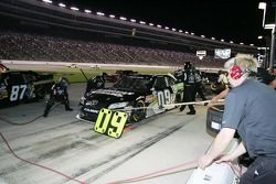 Pit stop for Kenny Wallace