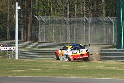 #43 Team Sahlen Mazda RX-8: Joe Nonnamaker, Wayne Nonnamaker, Will Nonnamaker goes off the track