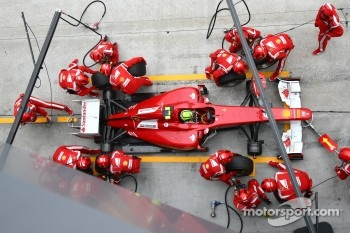 Felipe Massa lost several places after a bad pit stop