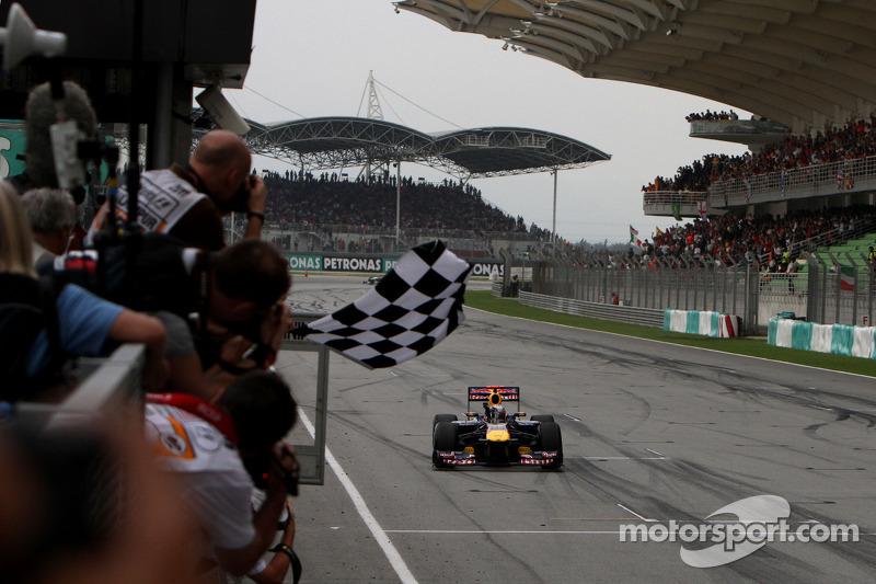 2011 - جائزة ماليزيا الكبرى: سيباستيان فيتيل، ريد بُل