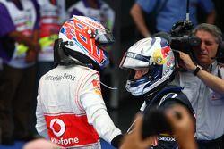 Yarış galibi Sebastian Vettel, Red Bull Racing ve 2. Jenson Button, McLaren Mercedes