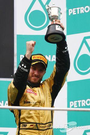 Podio: tercer lugar Nick Heidfeld, Lotus Renault F1 Team